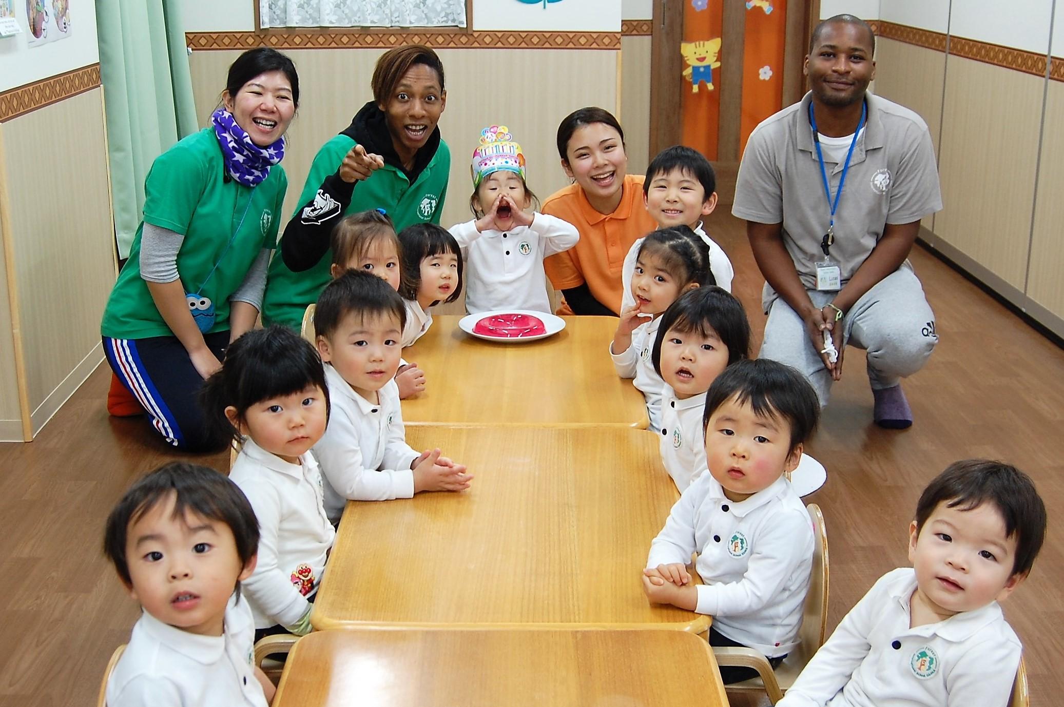 スタートして3年目 あべのハルカスをのぞむインターナショナルスクール フルタイム副担任募集!☆英語ネイティブと共に子どもを英語で育みます☆
